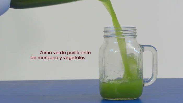 Zumo verde purificante de manzana y vegetales
