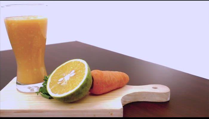 Zumo de zanahoria, naranja y piña