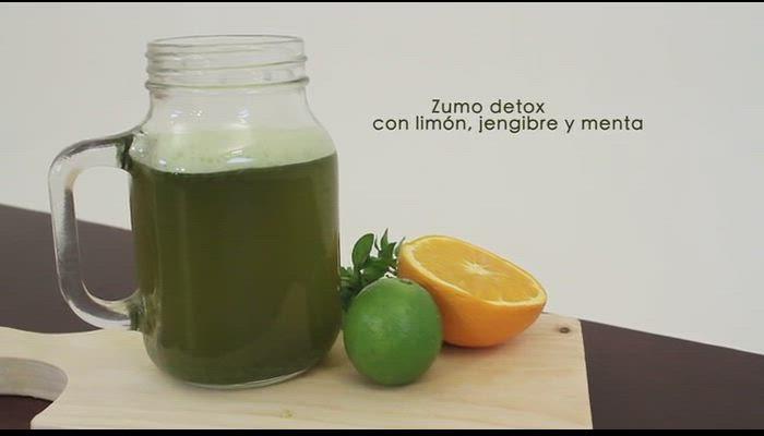 Zumo de limón, menta y jengibre